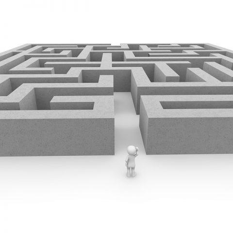 labyrinth-1013625_640